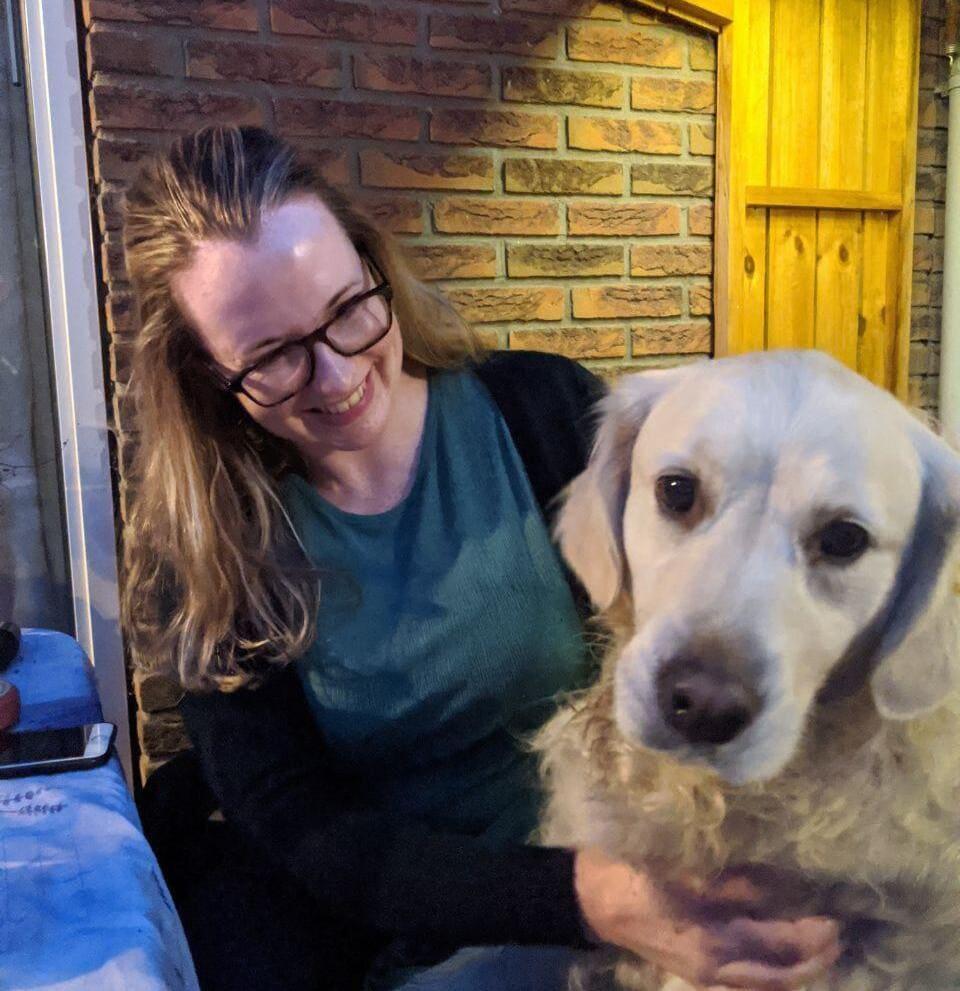 Anita Doggy Time met hond Golden Retriever Whisky